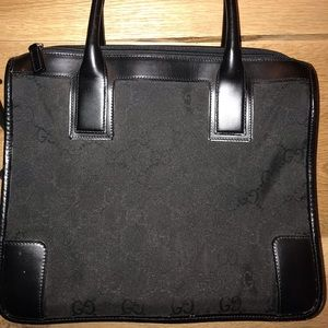 Gucci nylon and leather bag